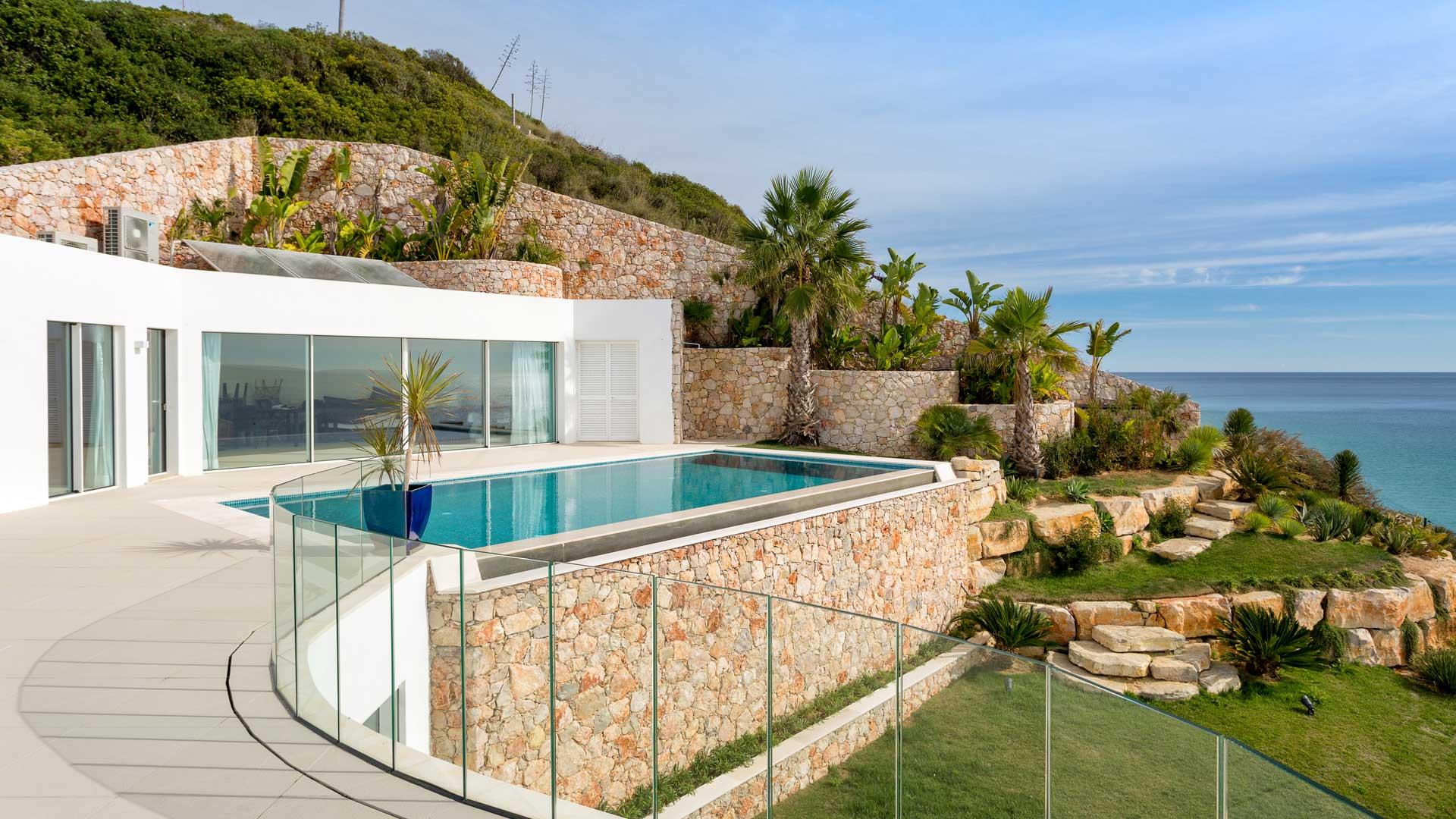 Luxury villa rentals Algarve Portugal: the TOP