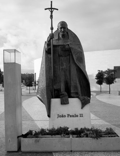 Sculpture pape Jean Paul II Fatima