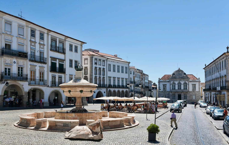Place Giraldo Evora Portugal