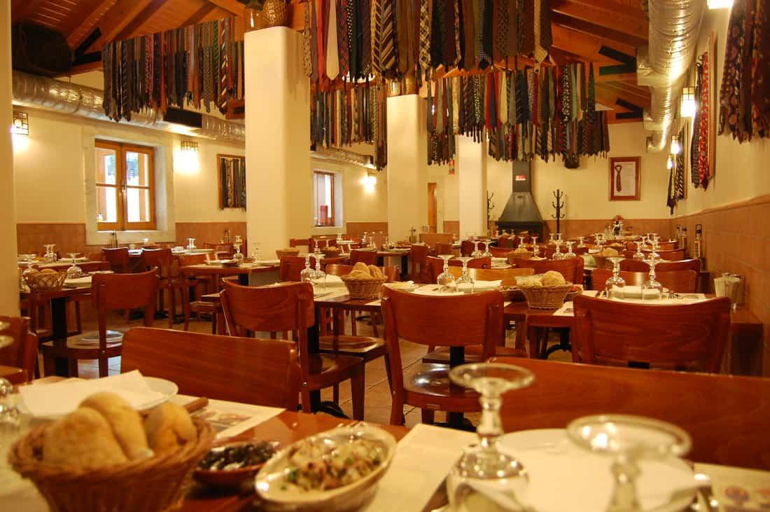 Restaurant Lisbonne: Adesa Das Gravatas
